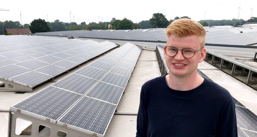 Foto: Fotovoltaik-Anlage auf dem Dach der Packstelle eines mein-ei.nrw Mitgliedes